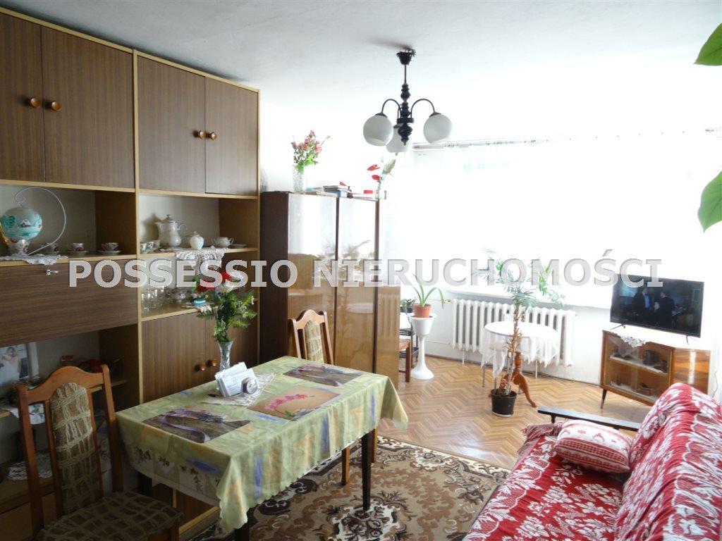 Mieszkanie dwupokojowe na sprzedaż Strzegom  43m2 Foto 1