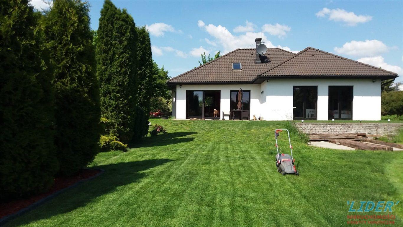 Dom na sprzedaż Kobiór  220m2 Foto 1