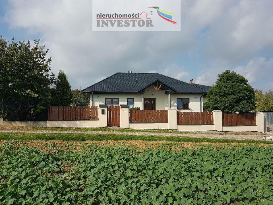 Dom na sprzedaż Ostrowiec Świętokrzyski  190m2 Foto 1
