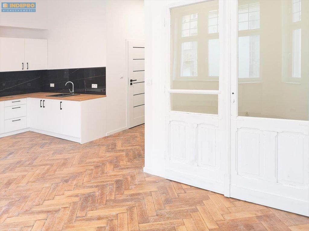Mieszkanie dwupokojowe na sprzedaż Bydgoszcz, Dolny Taras, Śródmieście  40m2 Foto 3