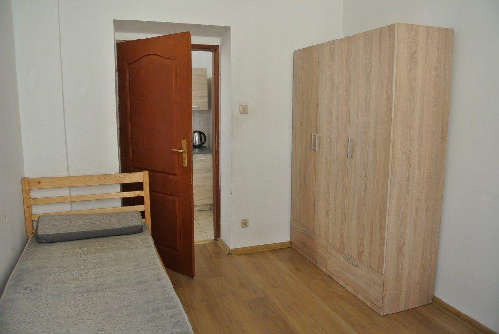 Mieszkanie czteropokojowe  na wynajem Kielce, Centrum  65m2 Foto 11