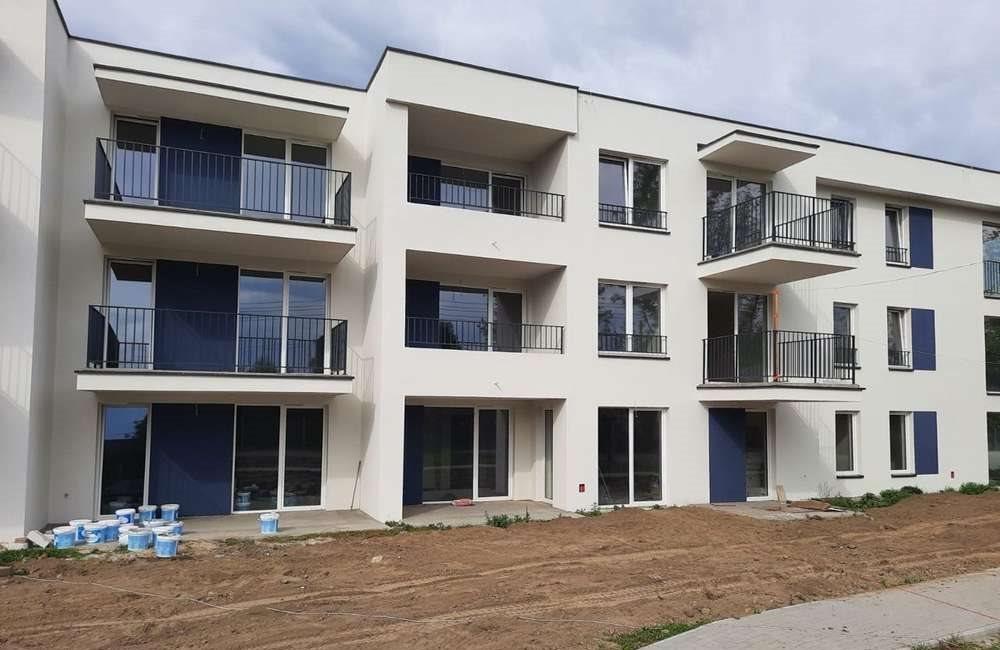 Mieszkanie trzypokojowe na sprzedaż Konstantynów Łódzki, ul. srebrzyńska  64m2 Foto 1