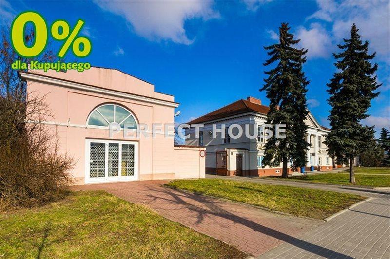 Lokal użytkowy na sprzedaż Łowicz  1260m2 Foto 1