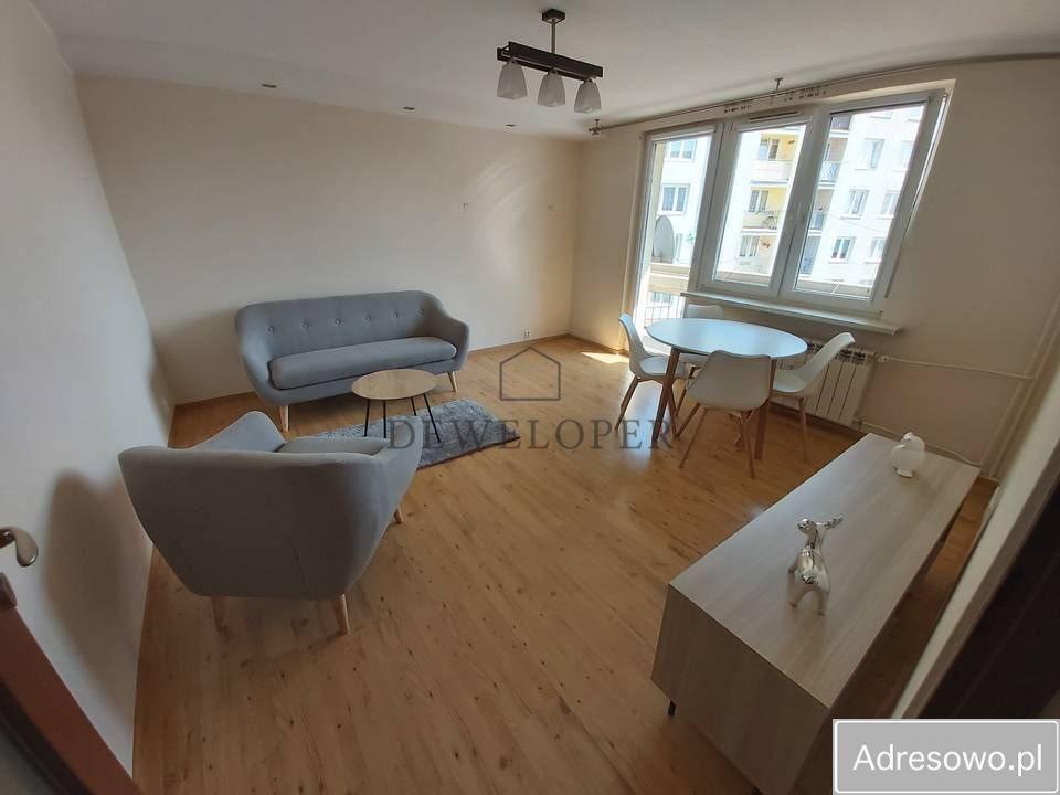Mieszkanie trzypokojowe na sprzedaż Zabrze, Zaborze  57m2 Foto 1