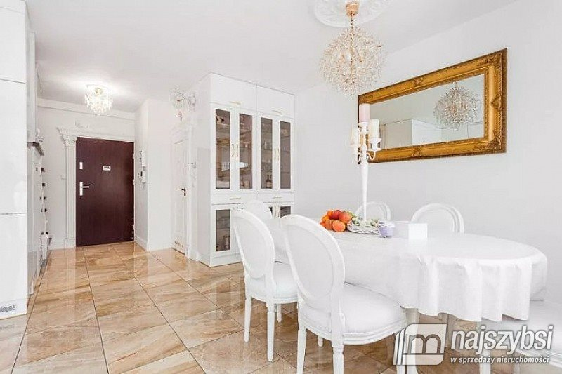 Mieszkanie czteropokojowe  na sprzedaż Rumia, Janowo  138m2 Foto 2