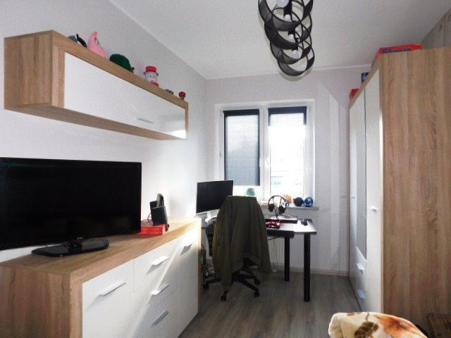 Mieszkanie trzypokojowe na sprzedaż Giżycko, Struga  71m2 Foto 1