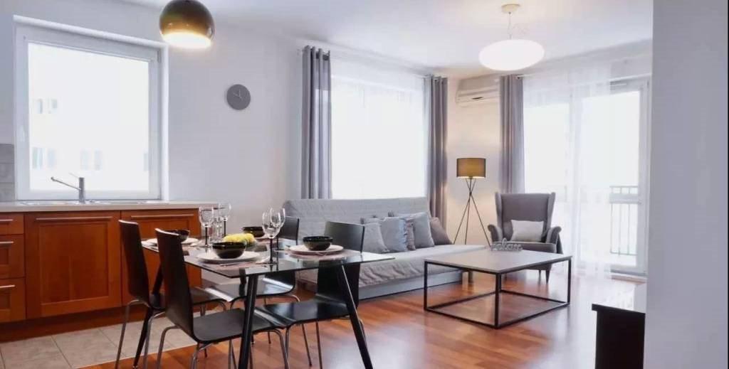 Sprzedam Mieszkanie Trzypokojowe Warszawa Praga Południe Ulica