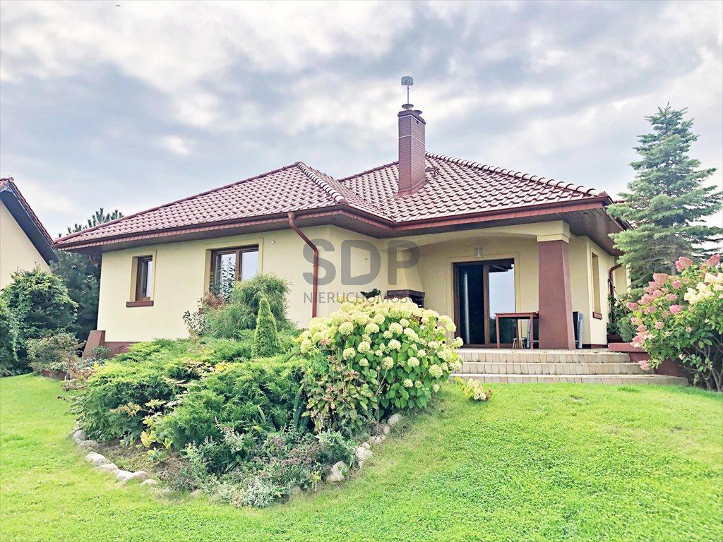 Dom na wynajem Kobierzyce, Kasztanowa  147m2 Foto 1