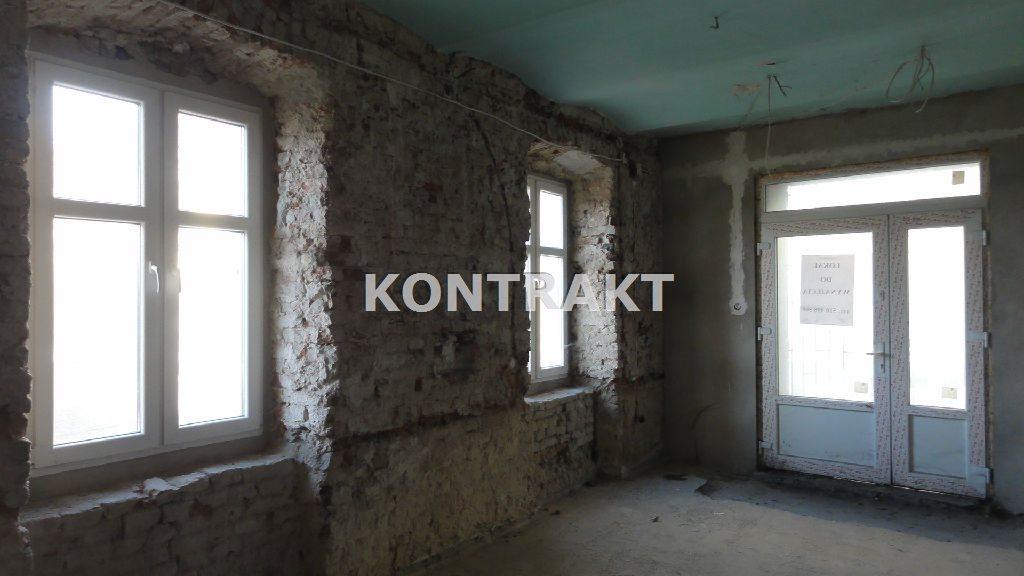 Lokal użytkowy na wynajem Oświęcim, Stare Miasto, Dąbrowskiego  61m2 Foto 1