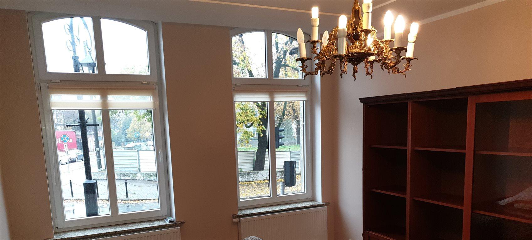 Mieszkanie dwupokojowe na wynajem Gniezno, Wyszyńskiego  62m2 Foto 2