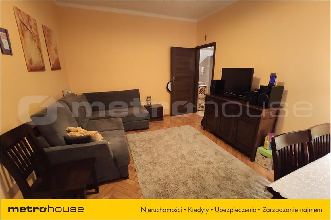 Mieszkanie trzypokojowe na sprzedaż Bielsko-Biała, Bielsko-Biała  61m2 Foto 2