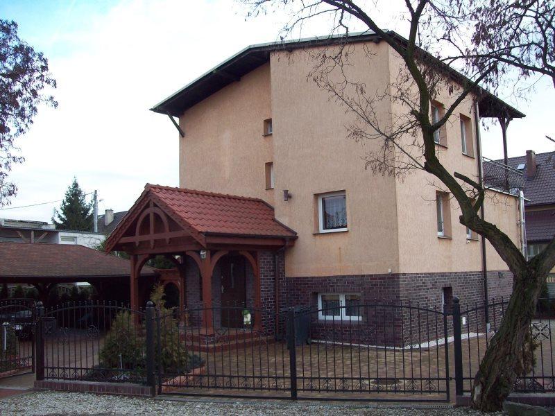 Dom na sprzedaż Kiełczów  280m2 Foto 1