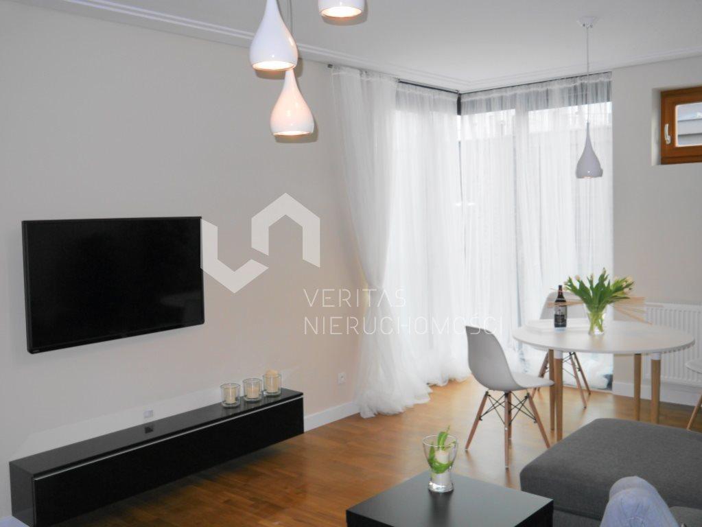 Mieszkanie dwupokojowe na wynajem Katowice, Ligota, Piotrowicka  60m2 Foto 1