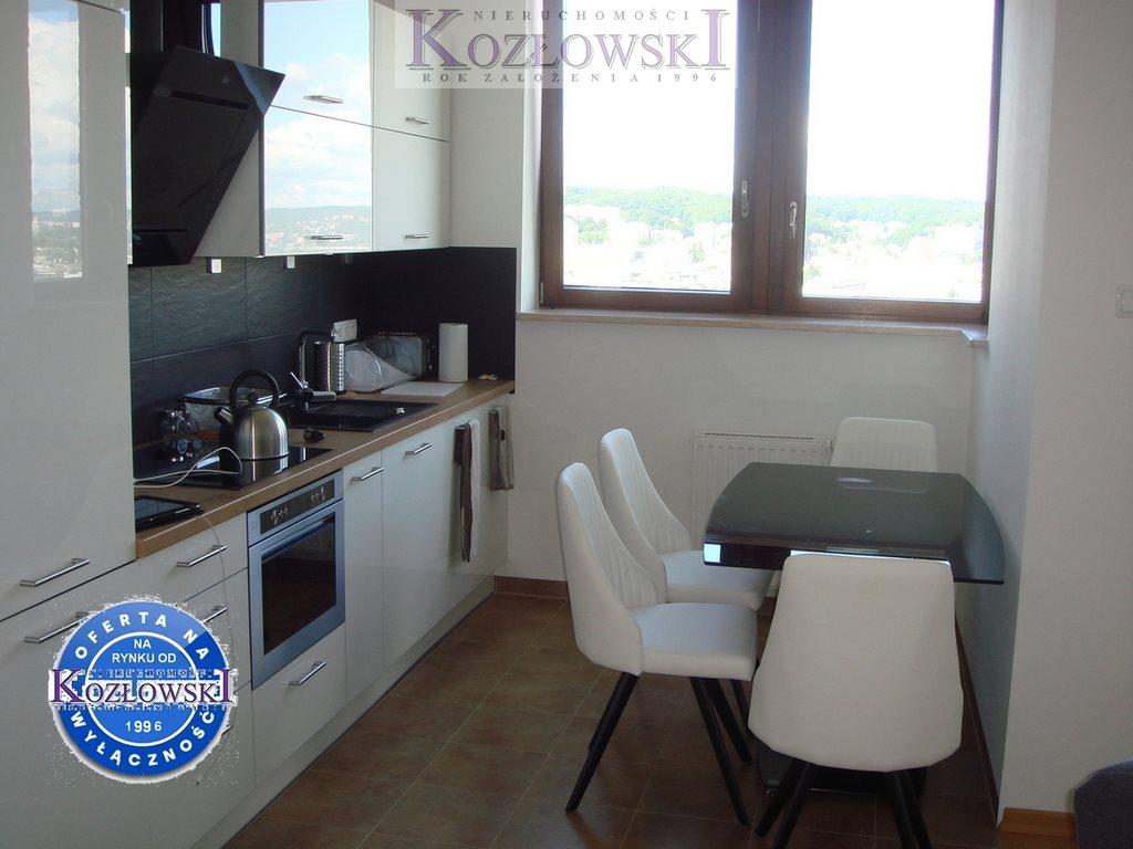 Mieszkanie trzypokojowe na wynajem Gdynia, Śródmieście, A. Hryniewickiego  78m2 Foto 6