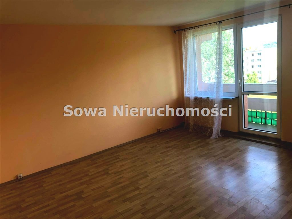 Mieszkanie dwupokojowe na sprzedaż Głuszyca, Osiedle  51m2 Foto 3