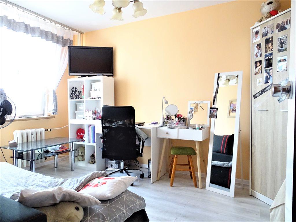 Mieszkanie trzypokojowe na sprzedaż Bytom, Szombierki, Bałtycka  65m2 Foto 3