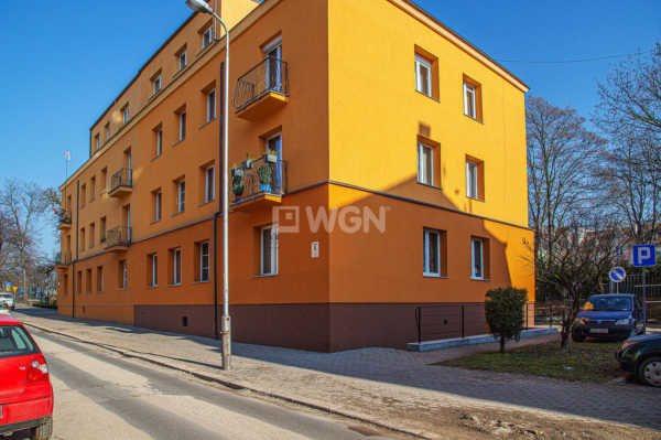 Mieszkanie dwupokojowe na sprzedaż Bolesławiec, centrum  74m2 Foto 5