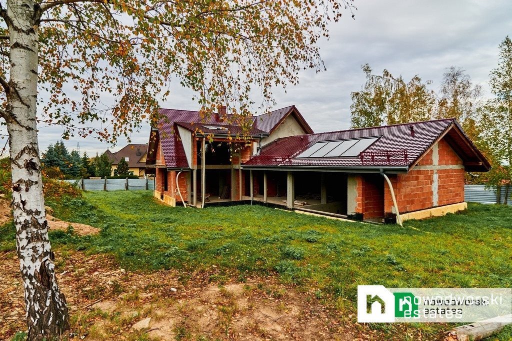 Dom na sprzedaż Sobótka, Różana  392m2 Foto 1