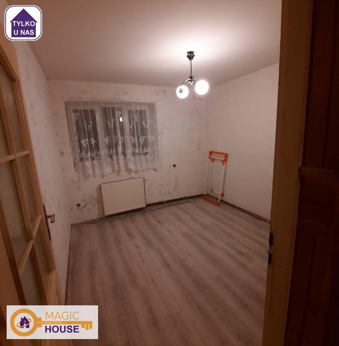 Mieszkanie trzypokojowe na sprzedaż Nowy Dwór Gdański, Plac Wolności  67m2 Foto 2