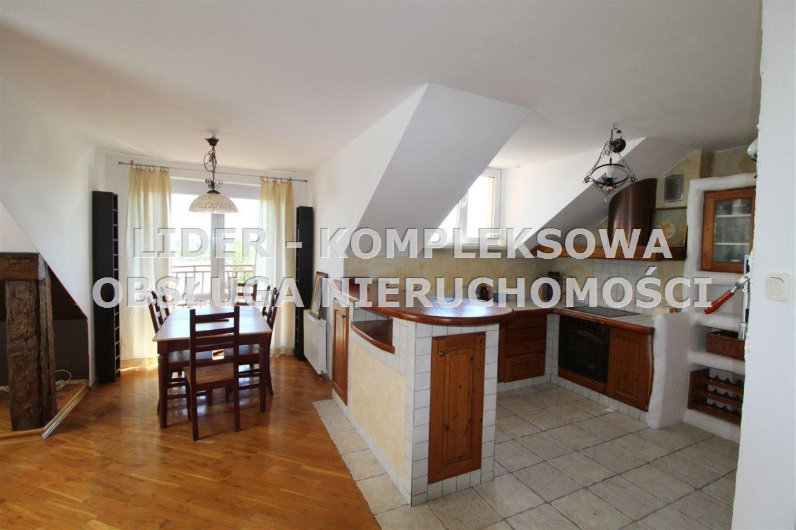 Mieszkanie trzypokojowe na wynajem Częstochowa, Parkitka  69m2 Foto 1