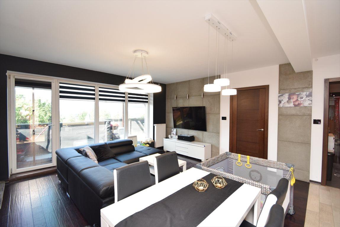 Mieszkanie trzypokojowe na sprzedaż Katowice, Kostuchna  82m2 Foto 1