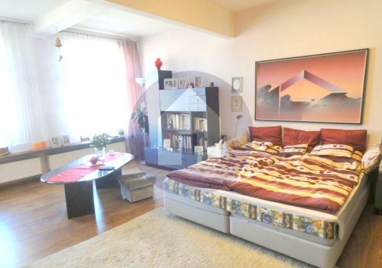 Mieszkanie czteropokojowe  na sprzedaż Świdnica  128m2 Foto 1