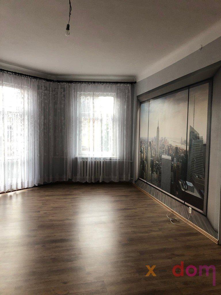 Mieszkanie trzypokojowe na sprzedaż Skarżysko-Kamienna, Staszica  94m2 Foto 1