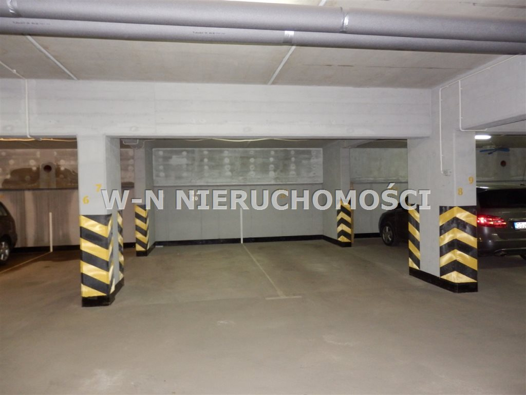 Garaż na wynajem Głogów, Kopernik  16m2 Foto 1