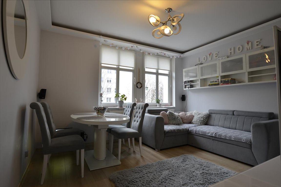 Mieszkanie trzypokojowe na sprzedaż Elbląg, Elbląg, Cicha  52m2 Foto 1