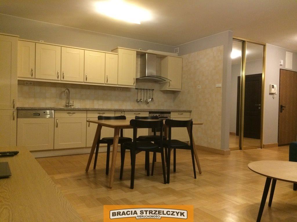 Mieszkanie dwupokojowe na wynajem Warszawa, Śródmieście, Hoża  54m2 Foto 4