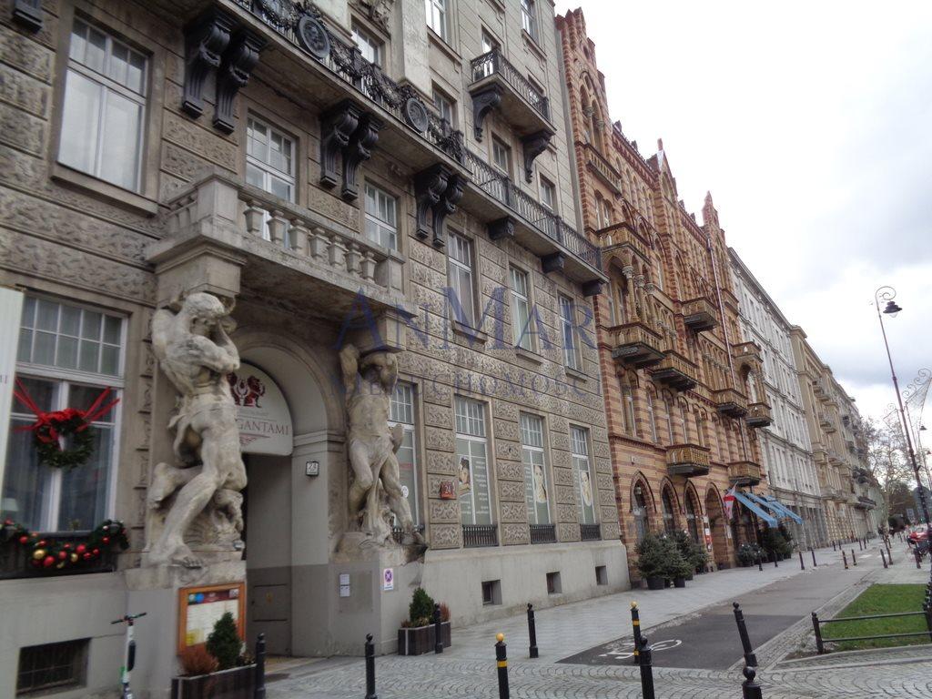 Mieszkanie trzypokojowe na sprzedaż Warszawa, Śródmieście, Aleje Ujazdowskie  70m2 Foto 1