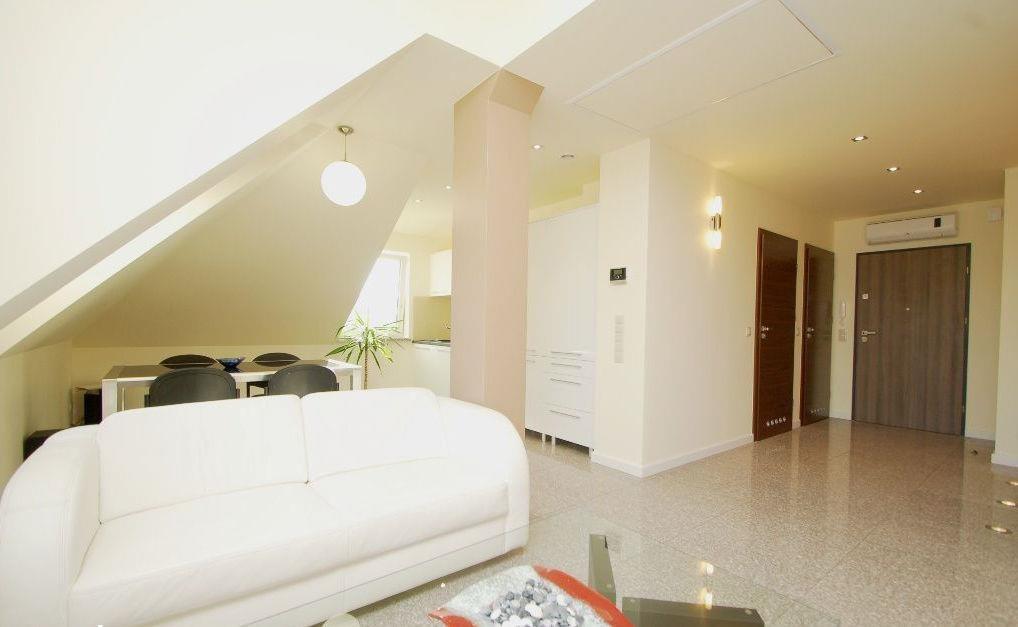 Mieszkanie trzypokojowe na sprzedaż Opole, Pasieka  65m2 Foto 1
