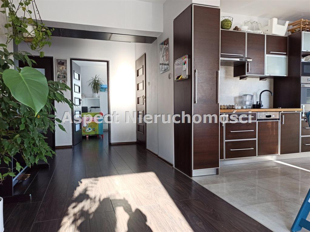 Mieszkanie trzypokojowe na sprzedaż Radom, Gołębiów  74m2 Foto 1