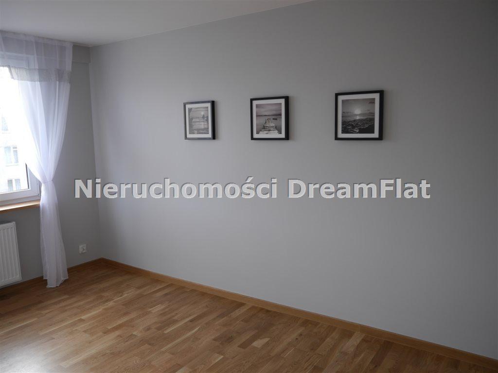 Mieszkanie trzypokojowe na sprzedaż Ostrowiec Świętokrzyski  47m2 Foto 3