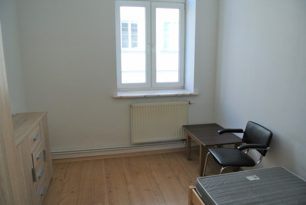 Mieszkanie czteropokojowe  na wynajem Kielce, Centrum  65m2 Foto 3