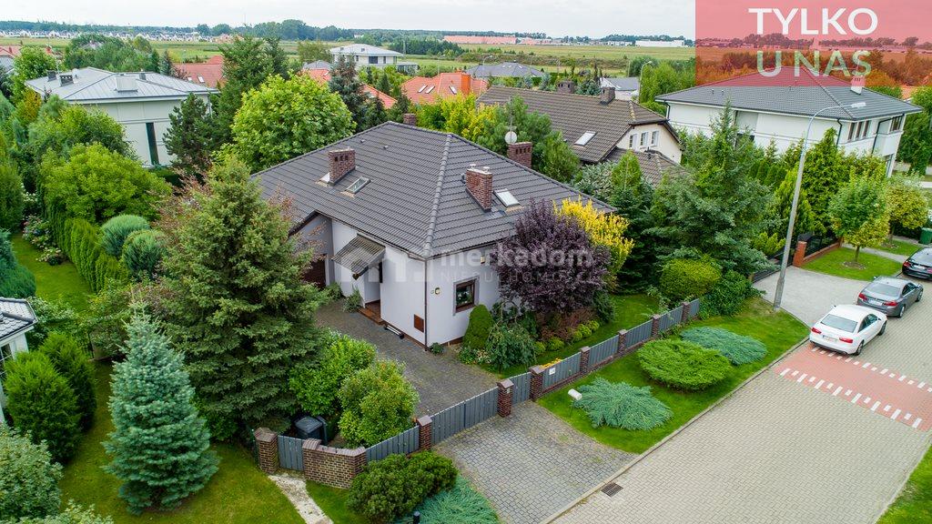 Dom na sprzedaż Chyby  204m2 Foto 1