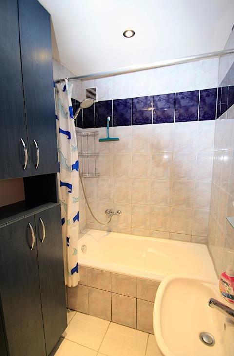 Mieszkanie czteropokojowe  na sprzedaż Bierdzany  79m2 Foto 8