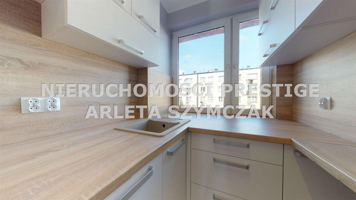 Mieszkanie trzypokojowe na sprzedaż Jastrzębie-Zdrój, Osiedle 1000-lecia, 1000-lecia  56m2 Foto 1