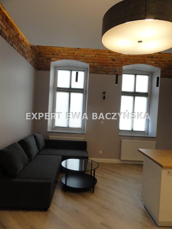 Mieszkanie dwupokojowe na wynajem Częstochowa, Centrum  49m2 Foto 2