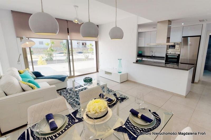 Mieszkanie trzypokojowe na sprzedaż Hiszpania, Villamartin  160m2 Foto 1