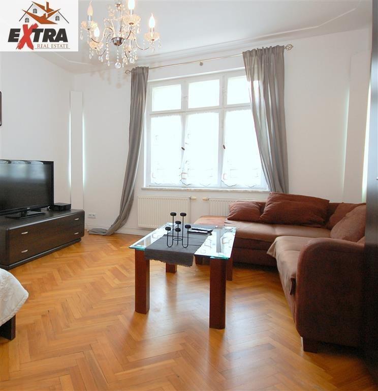 Mieszkanie dwupokojowe na sprzedaż Sopot, DOLNY, KAZIMIERZA WIELKIEGO  53m2 Foto 1