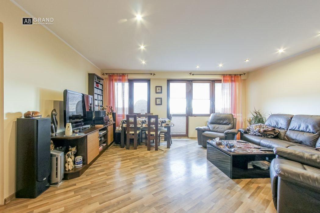 Mieszkanie trzypokojowe na sprzedaż Białystok, Antoniuk, Solidarności  63m2 Foto 1