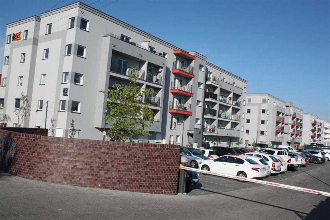 Mieszkanie trzypokojowe na sprzedaż Ostrów Wielkopolski, Zębcowska  59m2 Foto 1