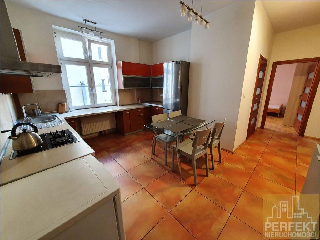 Mieszkanie dwupokojowe na wynajem Olsztyn, Stare Miasto, Stare Miasto  63m2 Foto 2