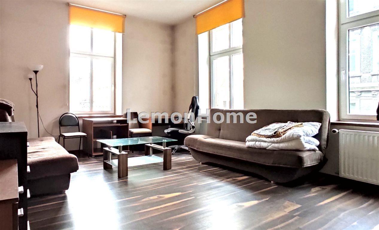 Mieszkanie trzypokojowe na sprzedaż Bytom  83m2 Foto 1