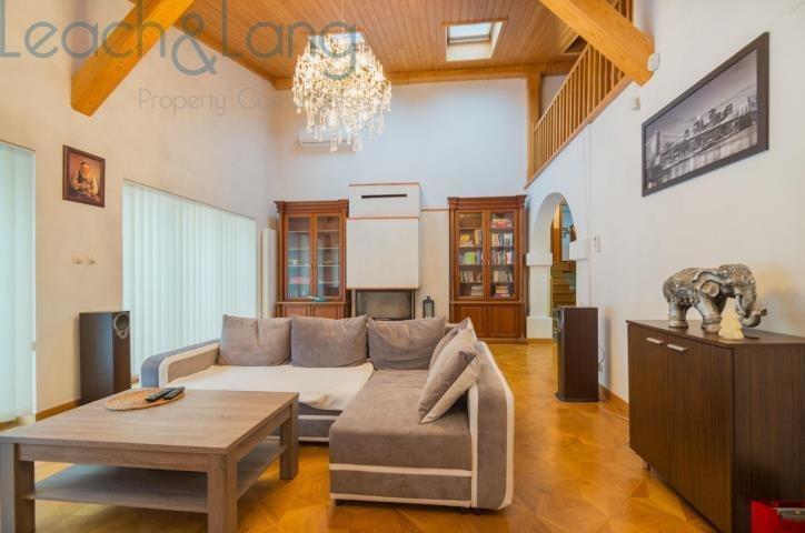 Dom na sprzedaż Zakrzów, Zakrzów  271m2 Foto 1