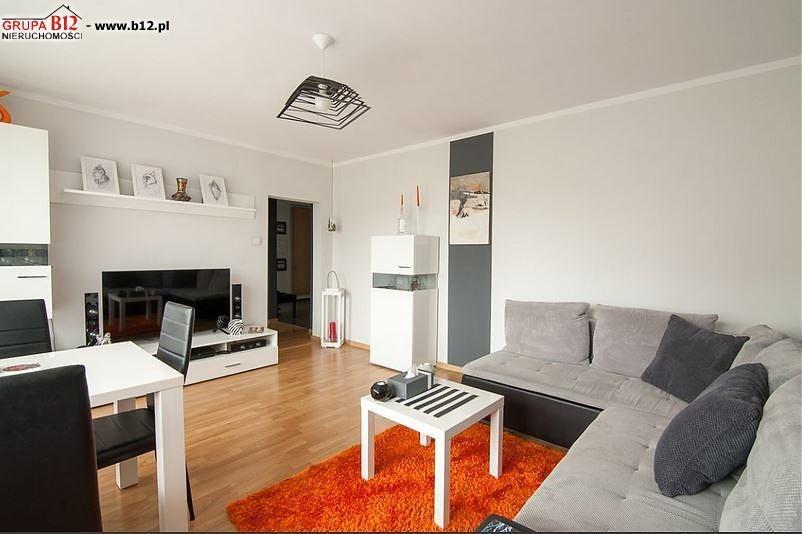 Mieszkanie czteropokojowe  na sprzedaż Krakow, Kurdwanów, Bojki  73m2 Foto 1