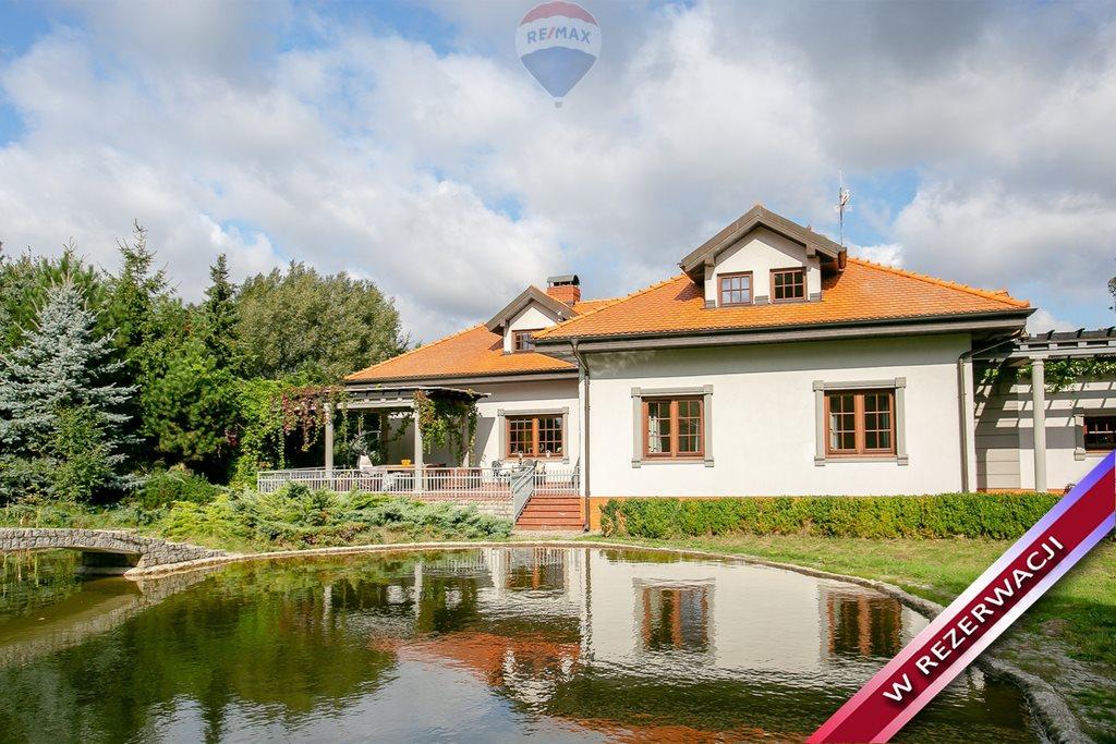Dom na sprzedaż Jasionka  329m2 Foto 1