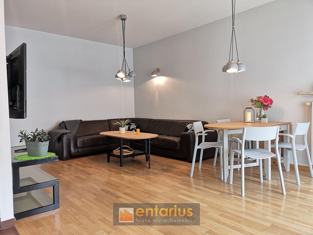Mieszkanie dwupokojowe na wynajem Warszawa, Wola, Chłodna  58m2 Foto 1