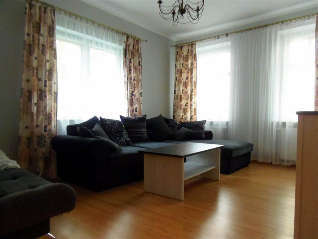 Mieszkanie dwupokojowe na wynajem Kołobrzeg, Centrum  59m2 Foto 1